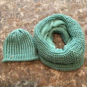 Like New Juicy Couture Hat & Infinity Scarf Set